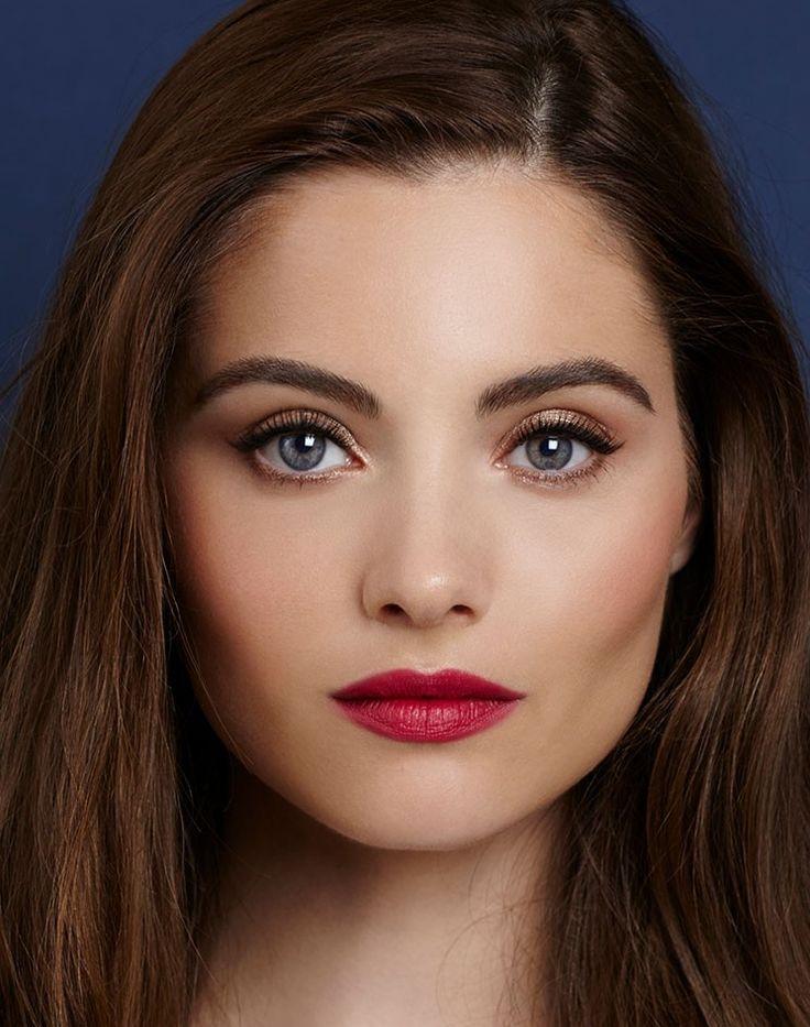 The Queen Lipstick : Matte Revolution   Charlotte Tilbury