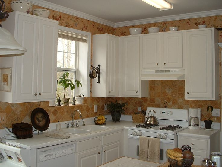 Ideas for Decorating the Tops of Kitchen Cabinets | Parenting Patch
