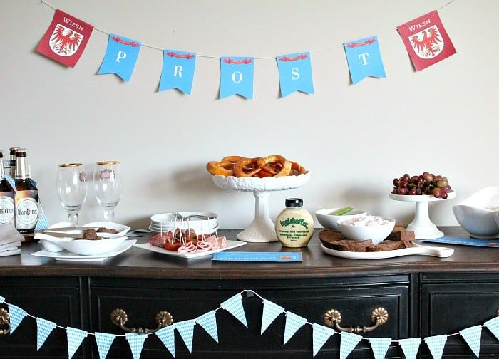 Oktoberfest Tischdekoration mit einfachen Vorspeisen – Oktoberfest decorations