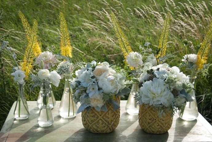FLÓRA Floral Botanical Atelier Summer flowers wedding