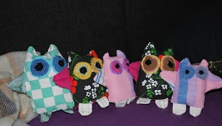 Lovely little Owl families. All used fabrics are second-hand.
