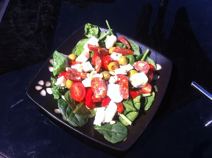Chorizo, feta and spinach salad. Juice Plus meal plan idea.