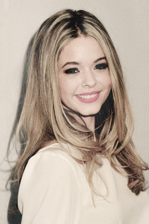 Pics For > Sasha Pieterse Tumblr Icons