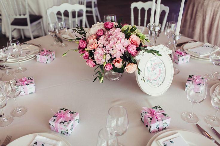 wedding table, wedding flowers, centerpieces, стол гостей, свадебные цветы