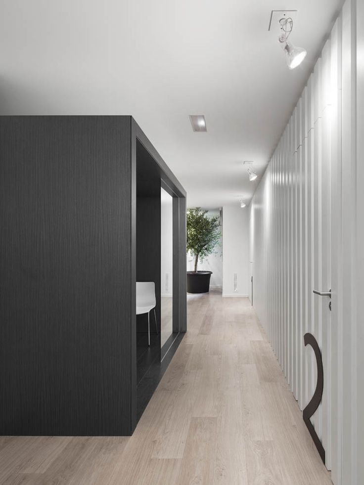 Quirúrgic 7 manresa barcelona by susanna cots clinic interior designbarcelona