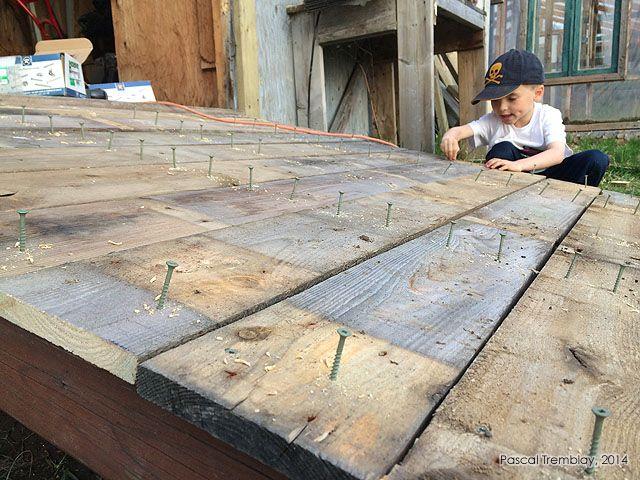 Designing Wooden Shed Ramp. For DIY Guide: http://www.usa-gardening.com/shed-ramp/garden-shed-ramp.html  #shed #ramp #landscaping #mower #woodshed #diy #gardening