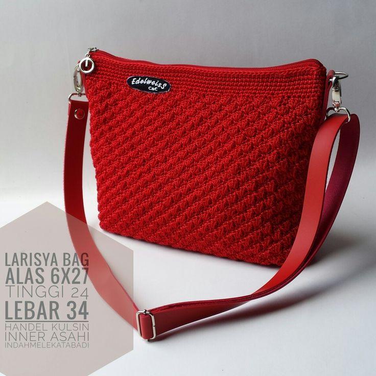Simple slingbag Larisya