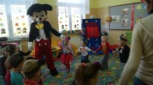 Mickey Mouse dancing with us!