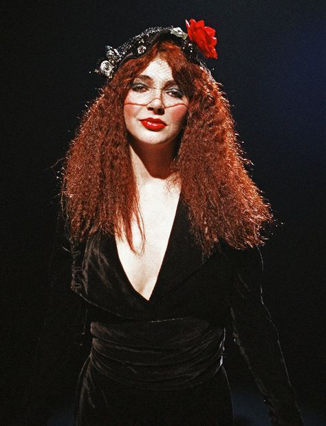 Try the #Kate Bush Quiz #Quiz10Showdown
