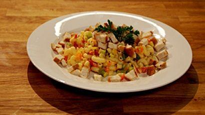 Salade de macaroni au poulet grillé