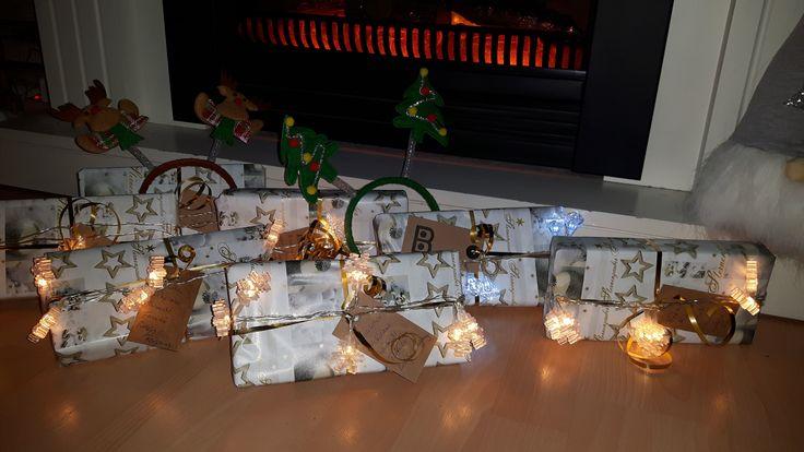 f r die lieben nachbarn zum nikolaus geschenke verpacken. Black Bedroom Furniture Sets. Home Design Ideas