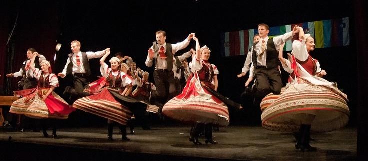 http://www.reformatus.hu/data/archived/images/stories/MRE/cikkek/2010november/hirek/magyarok_zenje_02.jpg