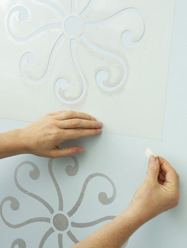 Muster Für Wände Blüten Oder Figuren, Ranken Oder Geometrische Formen. Mit  Schablonen Zauberst Du