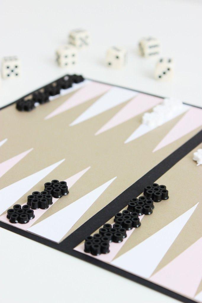 http://www.blog.bog-ide.dk/diy-backgammon/