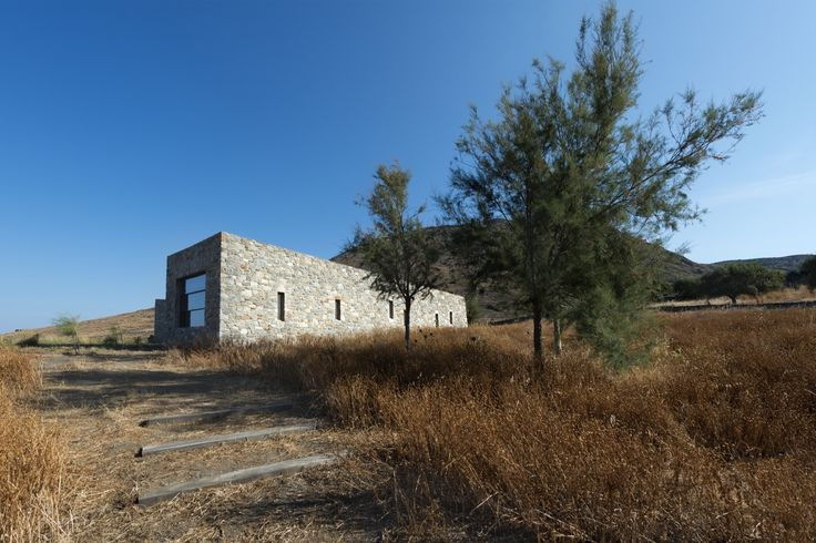 Image 1 of 12 from gallery of Syros House / Katerina Tsigarida Architects. Photograph by Yiorgis Yerolympos