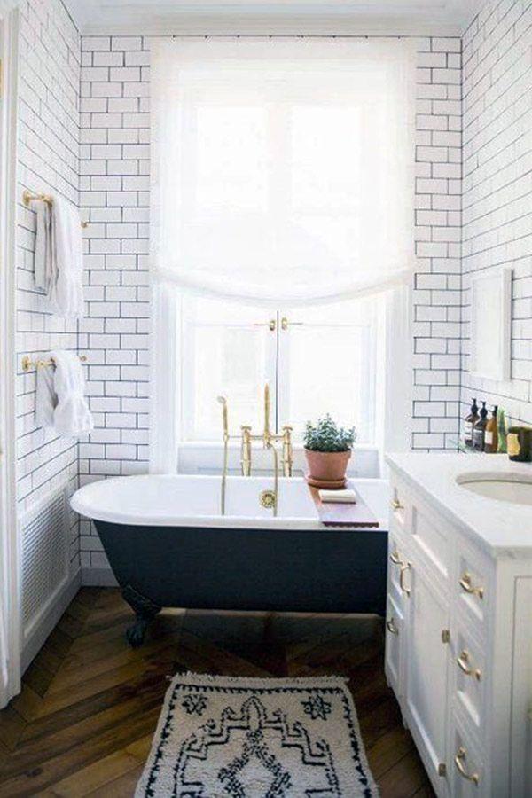 Delightful Small Vintage Bathroom