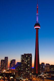 Лучшие инженерные сооружения: Си-Эн Та́уэр (англ.CN Tower)— самое высокое своб...