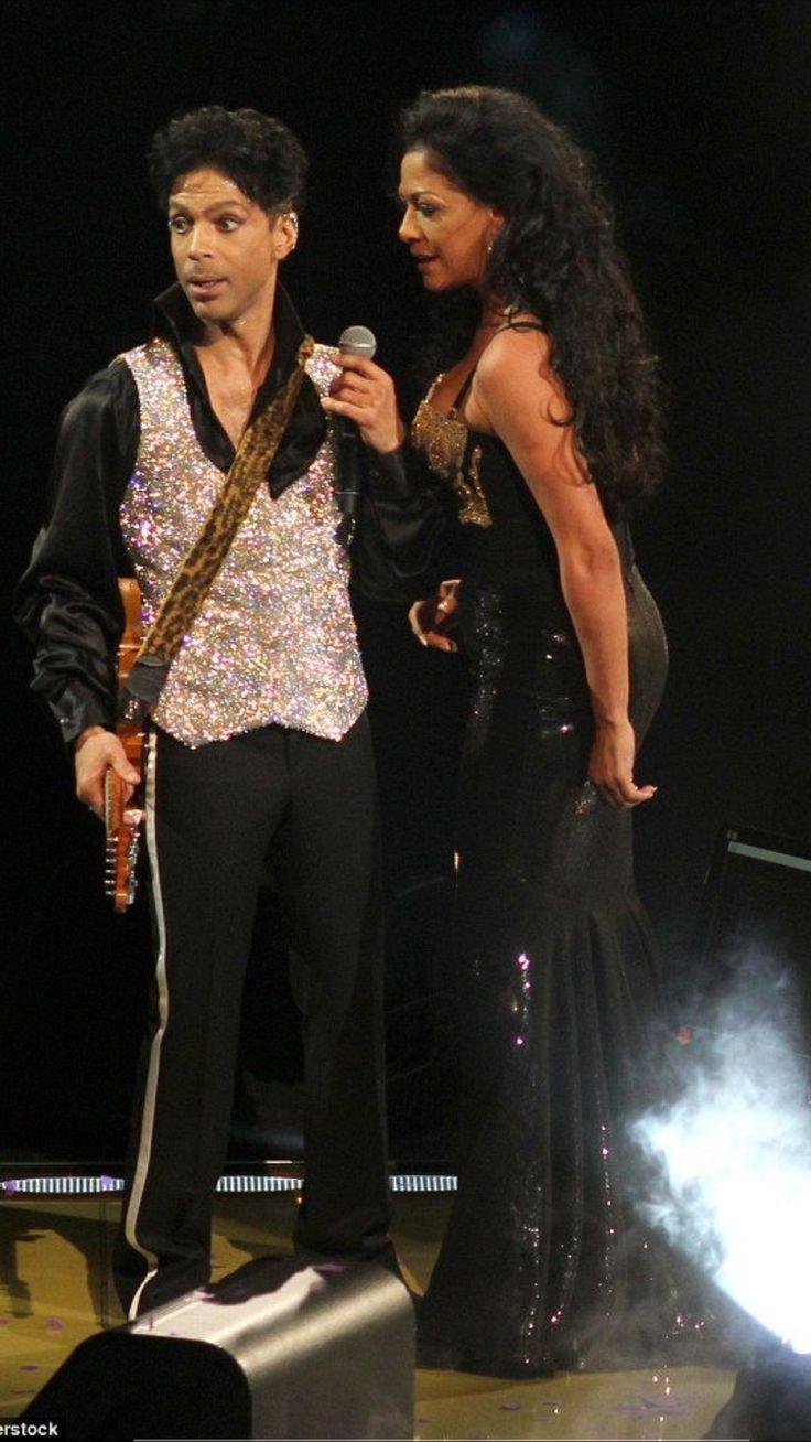 Prince 'Welcome 2 America' Tour concert, Madison Square Garden, New York, America - 18 Dec 2010 Prince & Sheila E