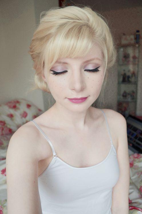 Elsa's Coronation Makeup