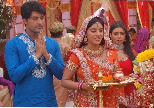 Diya Aur Baati Hum - TV Show - india-forums.com