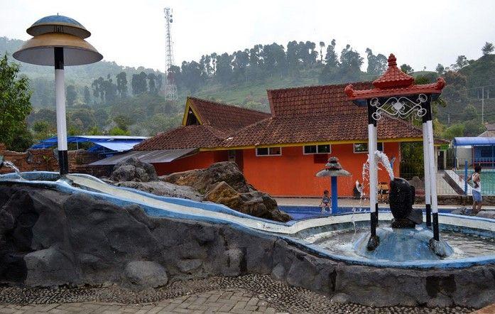 tempat wisata air panas ciwalini bandung