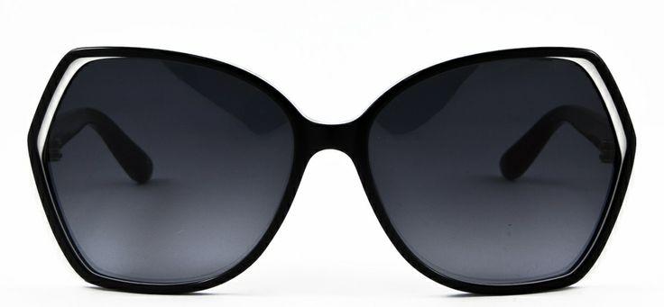 #loveyewear #marcbymarcjacobs http://www.loveyewear.se/solglasogon/marc-by-marc-jacobs-mmj-382s-fjw-black-white-blue-svart-bla-vit/