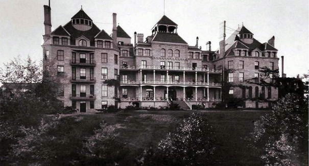 10 Most Haunted Hotels in the U.S. - Things That Go Bump in the Night