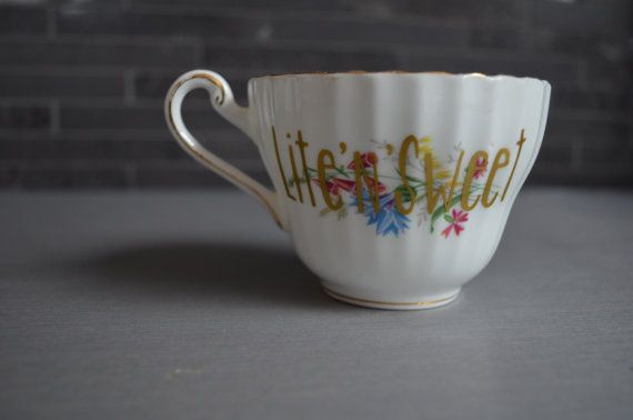 Vintage Teacup Lite'n'Sweet Gold Vinyl by bostoninachinashop