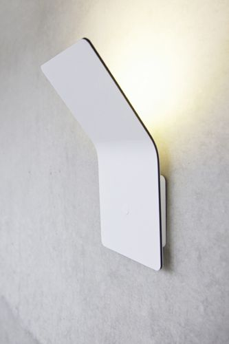 One is an extensive lighting collection designed by the brothers Matthias, Simon and Jürgen Frech for their company FSING. Using aluminium composite sheet of just 4mm thick, hiding all electric systems perfectly.    http://www.f-sign.com/en/produkte/L_produkte_one_wi_en.html