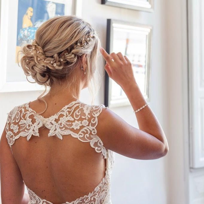 Bruidskapsel, opgestoken haar, bridalupdo. www.bruidskapselsbijsjiek.nl