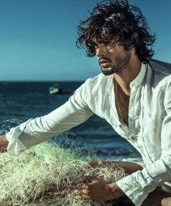 Marlon Teixeira Returns to the Beach for Água de Coco Verão Campaign