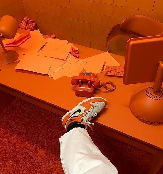 Aesthetic Orange Vintage Aesthetic Orange In 2020 Orange Aesthetic Aesthetic Colors Orange Wallpaper