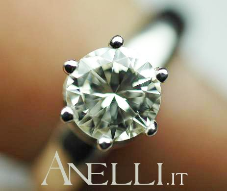Per chi può permettersi di acquistare un solitario da 1 carato.. http://www.anelli.it/it/anelli-solitario/solitario-da-un-carato.html