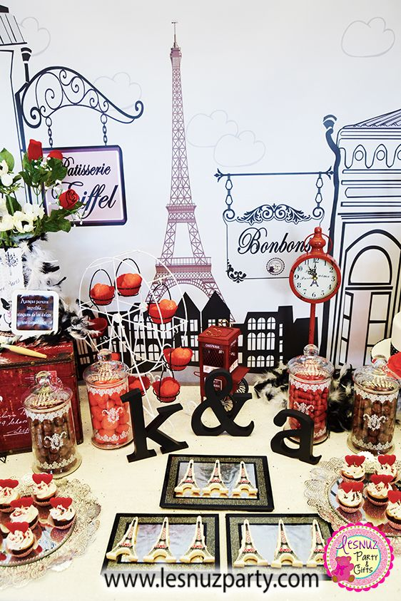 Mesa dulce temática París - Paris themed dessert table Lesnuzparty