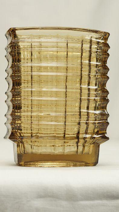 """Huta Szkła Gospodarczego """"Ząbkowice"""" w Ząbkowicach, proj. Jan Sylwester Drost, Polska, lata 60-te. """"Ząbkowice"""" Glassworks in Ząbkowice, design Jan Sylwester Drost, Poland, 60s."""
