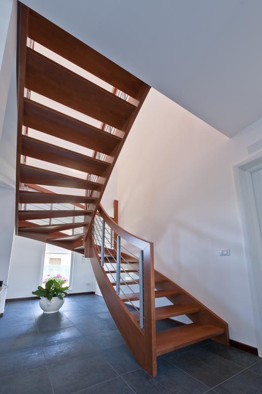 scala di design, interni di casa in bioedilizia