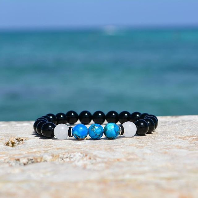 What the mind can conceive, it can achieve. - Napoleon Hill  The achieve greatness bracelet 💎💦