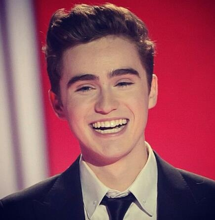 Harrison Craig <3 his voice is heaven. He and josh groban should get together! Heaven!
