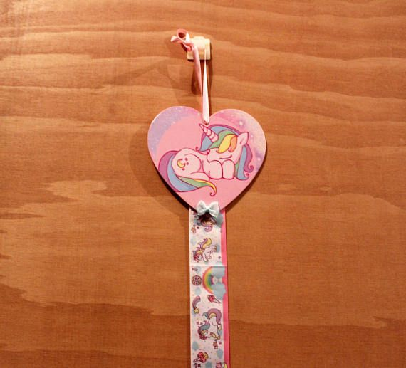 Unicorn themed bow and clip holder Wooden heart shaped bow #unicorn #bowholder #clipholder #unicorntheme #decoupage