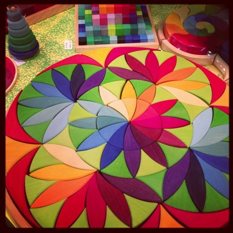 Just found Grimm's mandala puzzle - it's a colourful & beautiful rainbow mosaic that will brighten up any room - the combinations are endless! #homeandgivingfair #toys #entropy