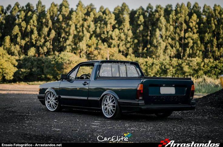 Ensaio Fotográfico feito pelos parceiros da CarEliteBR dessa bela dupla de VW Quadrados que rodam pelas ruas de São Carlos-SP com rodas aro 17″ e baixos na Suspensão Fixa. Ficha Técnica: Modelo e Ano do Carro: Vw Gol Quadrado 1.9 1989 | Vw Saveiro Quadrada Turbo 94 Aro da Roda: 17″ | 17″ Marca e Modelo das Rodas: BRW Aranha | TSW Kyalami Medidas dos Pneus: N/I | 185/35/R17 Suspensão Utilizada: Suspensão F I X A Loja Onde Montou: TS Concept Car Cidade/Estado: São Carlos-SP ...