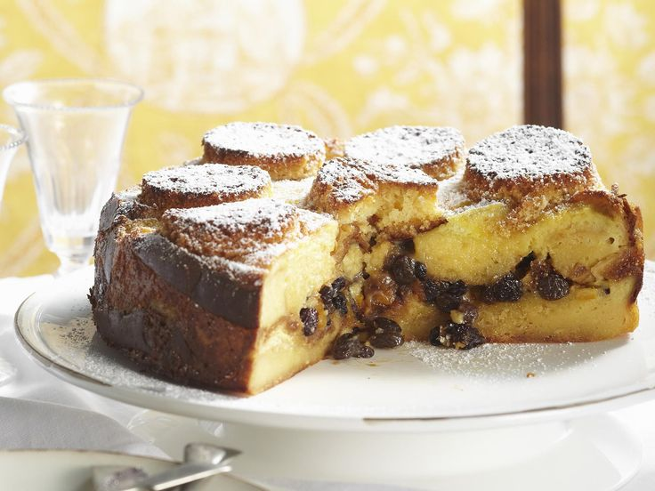 Enjoy your favourite pudding in spectacular cake form.