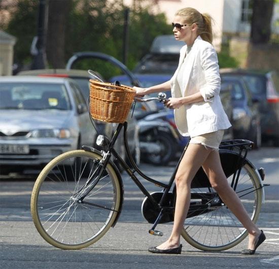 Bicycle chic: Lara Stone.