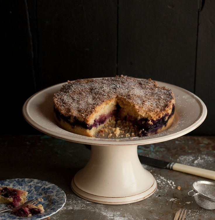 deep apple and blueberry streusel cake