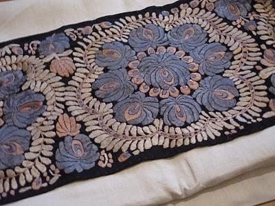 parna vintage linen and hemp: Matyo embroidery
