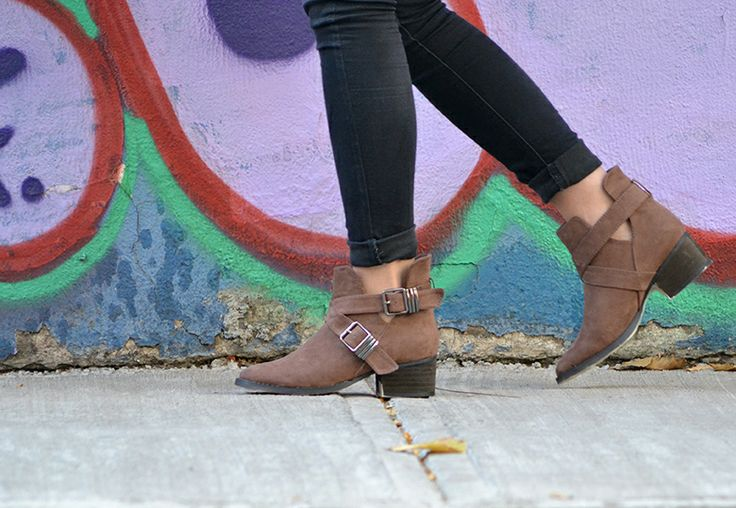 Cut Out Boots brown