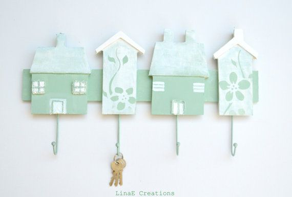 Hand painted mint houses, wall key holder, scarf , hat, wood rack, fall winter home decor on Etsy, 26,00€