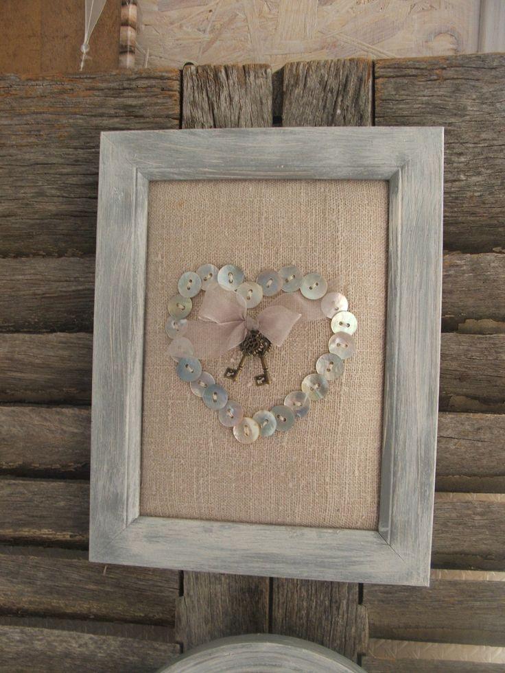 """tableau shabby chic """"les clefs du cœur n°3"""" en bois peint gris gustavien patiné et toile de lin taupe"""