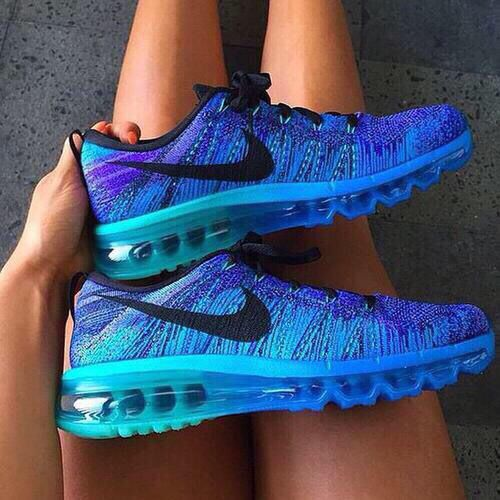Nike womens running shoes are designed with innovative features and��
