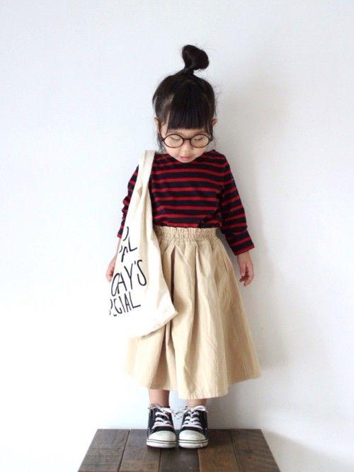 スカーチョの着まわしコーデです🙈 ボートネックのカットソーは、赤×ネイビーの色合いがかわいくて即決